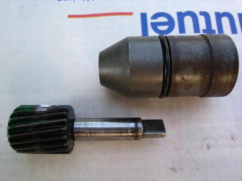 fuite huile par entrée cable vitesse boite transfert 413 (speedometer) 969497IMG5253