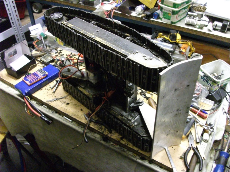 pelles électro hydrauliques LIEBHERR 964 B - Page 13 975173004