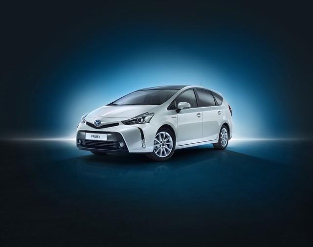 """Nouvelle Prius+ 2015 seul modèle """"full hybrid"""" à sept places en Europe 978432NouvellePrius2"""