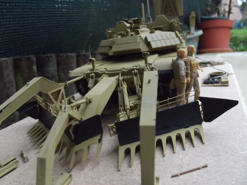 Abrams M1 ABV 1/35 RMF - Page 2 979718DSCF8661