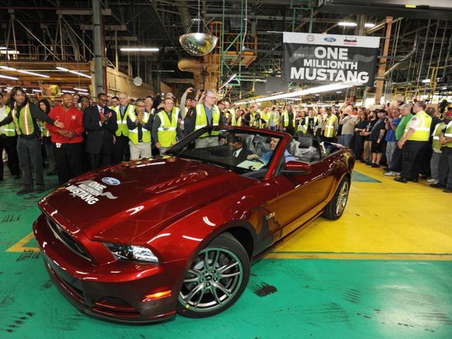 La production de la toute nouvelle Mustang 2015 débute dans l'usine de Flat Rock 982486productiondelaFordMustang20153