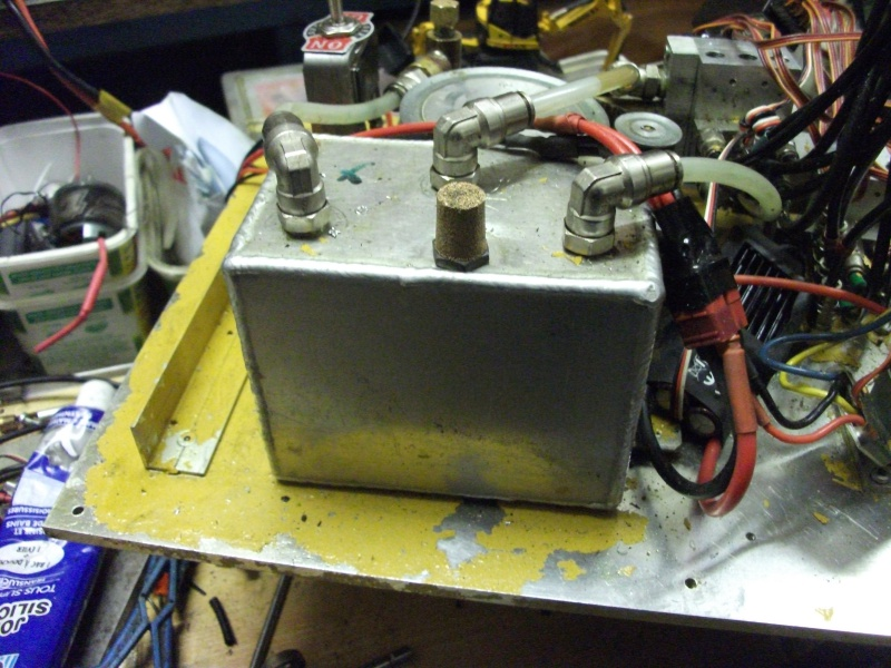 pelles électro hydrauliques LIEBHERR 964 B - Page 13 983754004