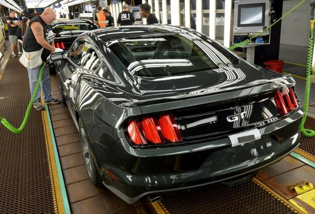 La production de la toute nouvelle Mustang 2015 débute dans l'usine de Flat Rock 984361productiondelaFordMustang20154