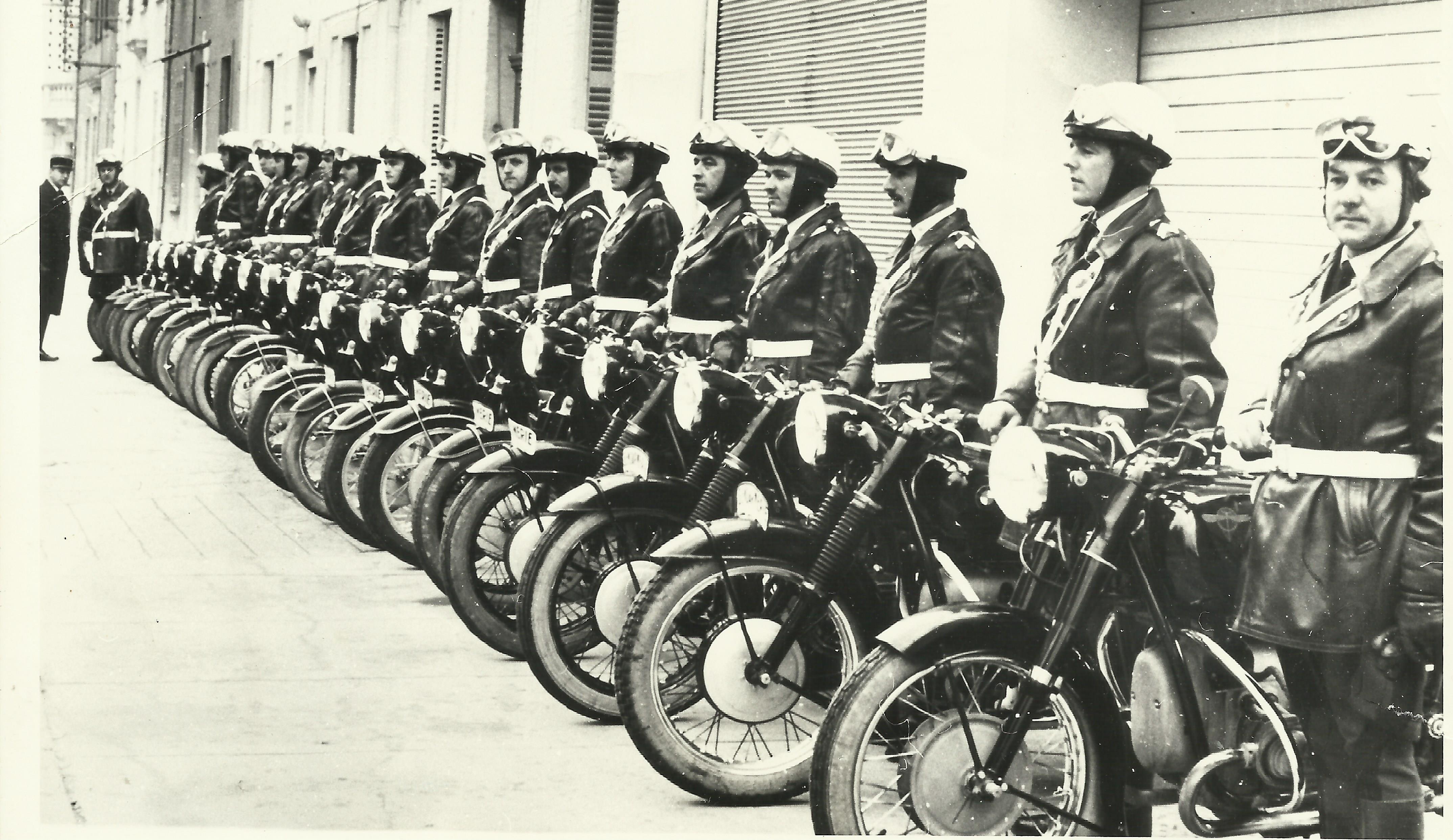 Photos Gendarmerie, BMO de Hyeres  années 1960 986505BMO003