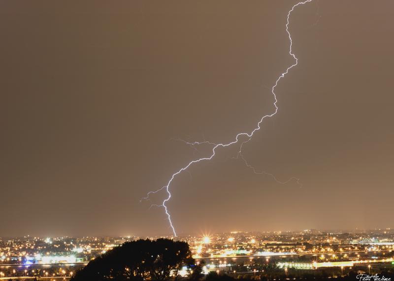 Orages monstres sur le Bordelais dans la nuit du 25 au 26/07 et du 26 au 27/07 988557clairrattrapredi