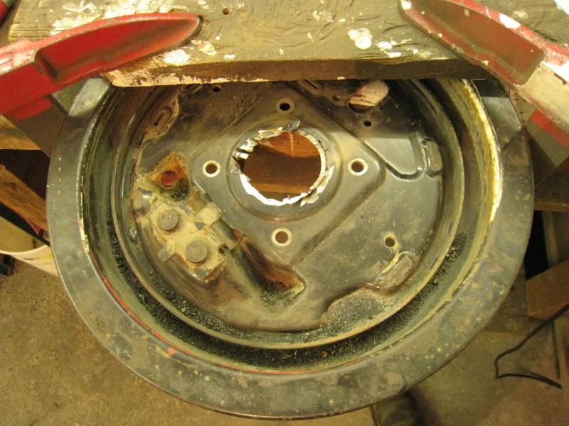 modification flasque tambours arrières pour démontage rapide des roulements 996931IMG2040