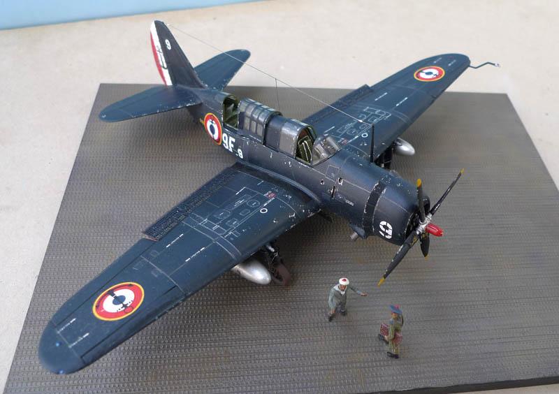 """[Academy] Curtiss SB2C-5 """"Helldiver"""" en Indochine 997527Helldiver67"""