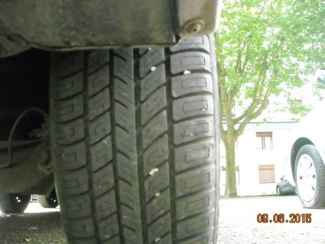 pneus usés sur les cotés 997584DSCN7922