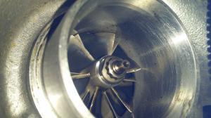 BMW 330 d E90] Hélices du turbo ébréchées