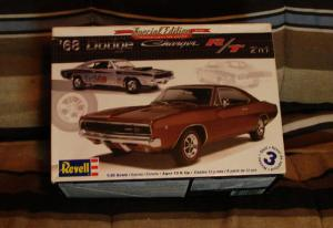 Revell 1968 Dodge Charger R/T Mini_481200charger6800