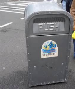 Rencontre avec Push, la poubelle qui parle. - Page 3 Mini_551983thjpg11111