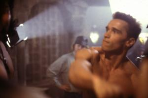 Красная жара / Red Heat (Арнольд Шварценеггер, Джеймс Белуши, 1988) - Страница 2 Mini_693613RedHeat021