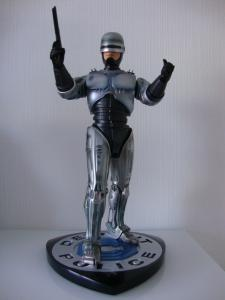 Collection n°435 : roach - Page 4 Mini_840150Robocop