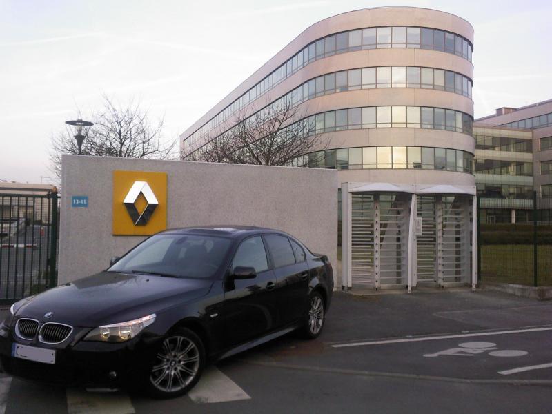 [Défi 1] Prendre sa BMW en photo devant un garage Renault - Page 3 66472SPM_A0364