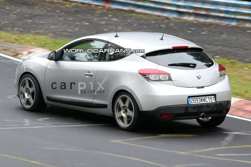 2009 - [Renault] Megane III RS - Page 3 8135389081008_002_Mini5L