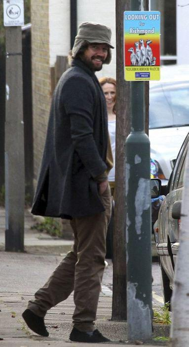 Jason et Catherine Tate à Richmond 24.11.11 1114974083611015047151831219215674176719185571931721650504n