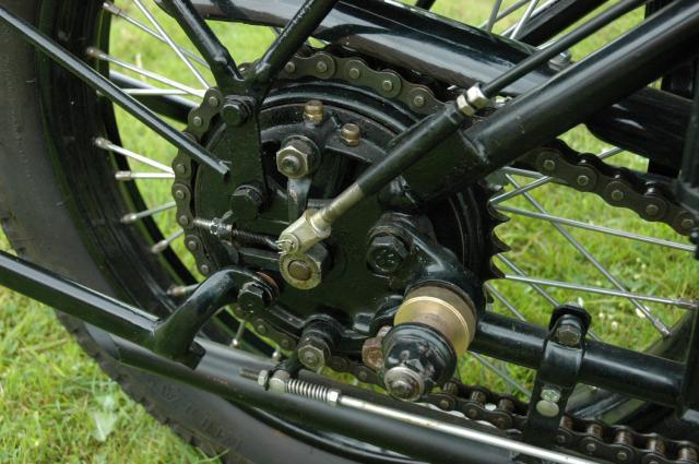 Moto René Gillet 750 type G 1929 - Page 7 111510DSC9473
