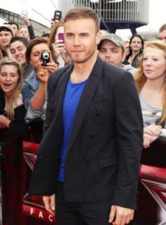 Gary à l'audition de X Factor - Londres O2 Arena 07-07-2011 111684normalMQ072