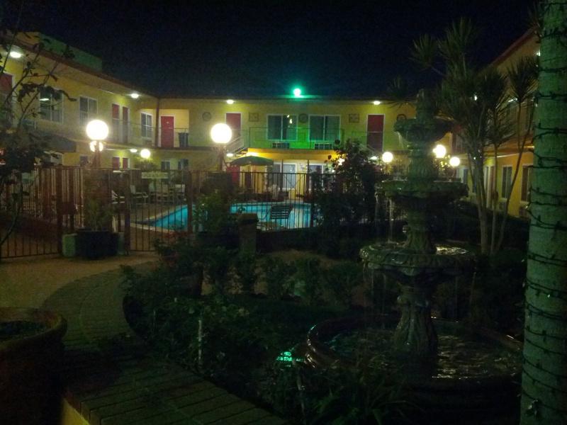 Disneyland Resort (Californie)et Universal Studio Hollywood du 29/10/2012 au 09/11/2012  119198f17196808