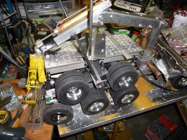 Mon Ford Aéromax Tamiya et sa grue de cabine 119969fordaromaxharnaissellette005
