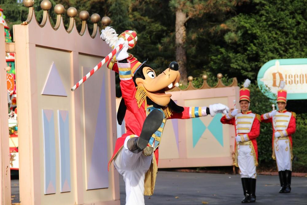 Vos photos avec les Personnages Disney - Page 3 123589IMG8193