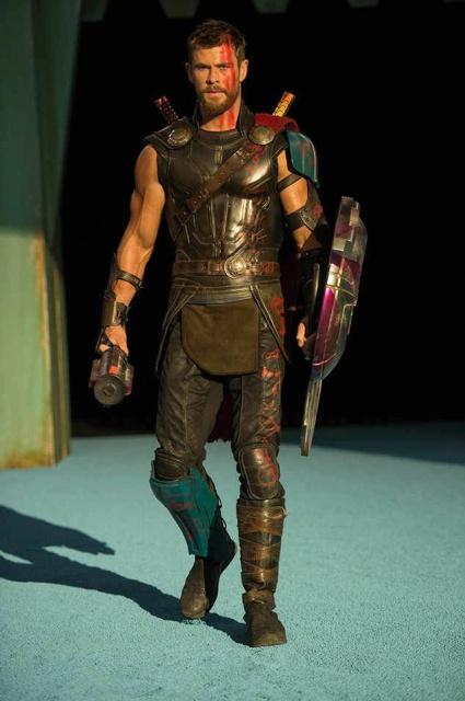 Thor 3 : Ragnarok / 25 octobre 2017 - Page 4 1244622347273518968475870222188901199139542917725n