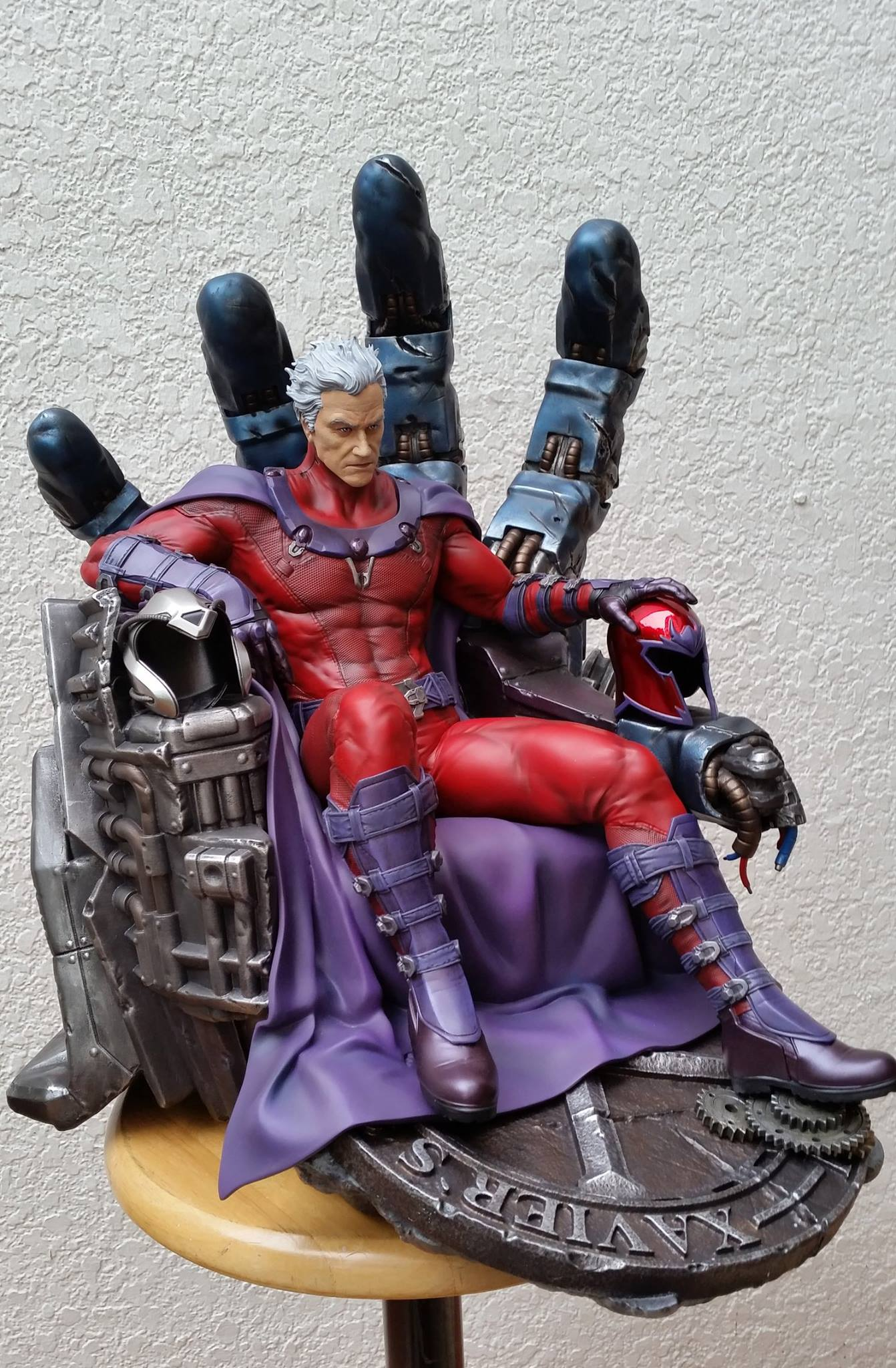 Premium Collectibles : Magneto on Sentinel Throne - Page 5 1252871054144314011598701047082972842439240170286o