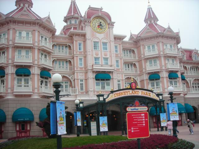 [Disneyland Paris] Premier séjour au DLH (31 janv.-2 fév. 2011) + un anniversaire inoubliable ! - Page 4 132746227