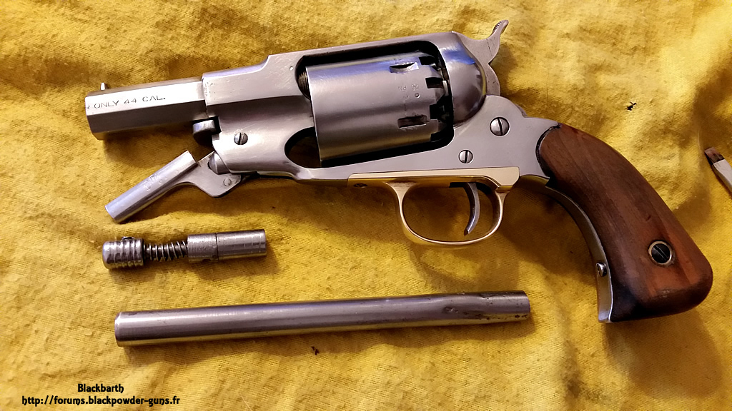 """Texas Avenger"" Cal 44 une Customisation du Remington 1858 139509RemSnub05"