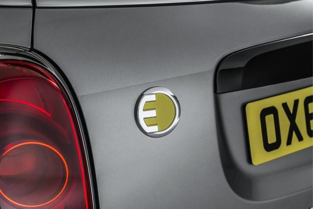 Agile, polyvalent, électrisant : le MINI Cooper S E Countryman ALL4 140824P90240799highResminicoopersecoun