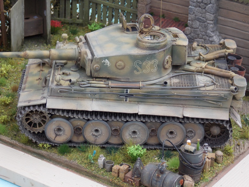 TIGRE S33  avant la bataille de Koursk juillet 43 (Dragon 1/35 dio DIODUMP) - Page 8 141575DSCN4709