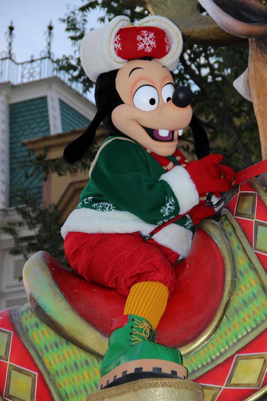 Vos photos avec les Personnages Disney - Page 2 148154IMG8126