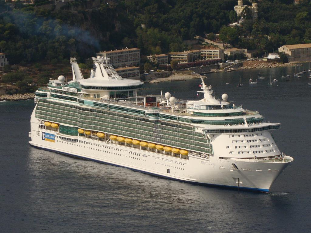[Vie des ports] Le Port de Nice - Page 2 148507DSC03240