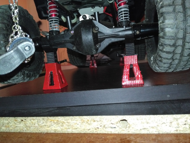 axial Scx10 - Jeep Umbrella Corp Fin du projet Jeep - Page 9 159516IMG20170410104819
