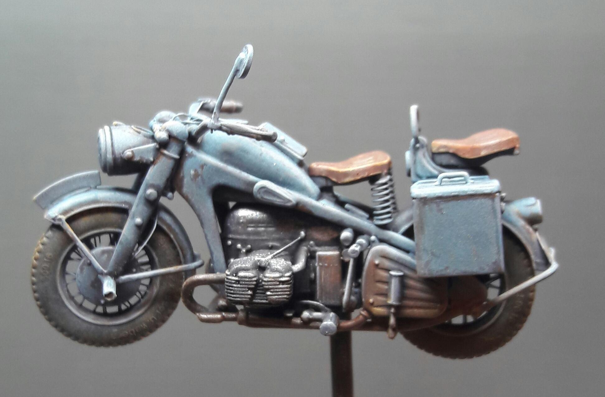 Zündapp KS750 - Sidecar - Great Wall Hobby + figurines Alpine - 1/35 - Page 4 1696131988578310211770307227688386811837o