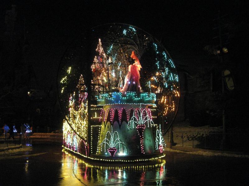 [Disneyland Paris] Disneyland Hotel - chambre Castle Club (8-10 décembre 2010) (début du TR p.9) - Page 10 170801IMG2366