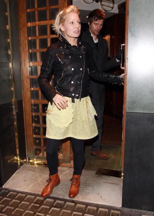 Anniversaire de Robbie au Ivy restaurant - Londres 13/02/11 172493jason500