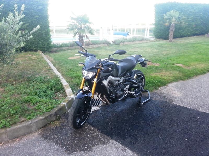 Photos de toutes les Yamaha MT-09 du forum ! :) 176792YMO46