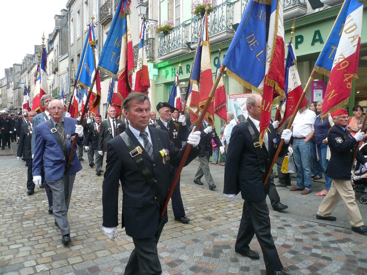 [Histoires et histoires] 100 villes, 100 héros, 100 drapeaux. Hommage national en ce 6 septembre 2014 1818336327