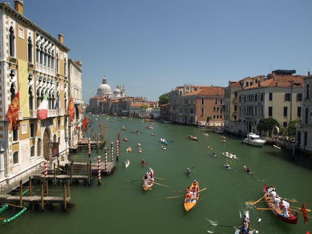 Effet Tilt Shift : Vogalonga de Venise 184764P6083003