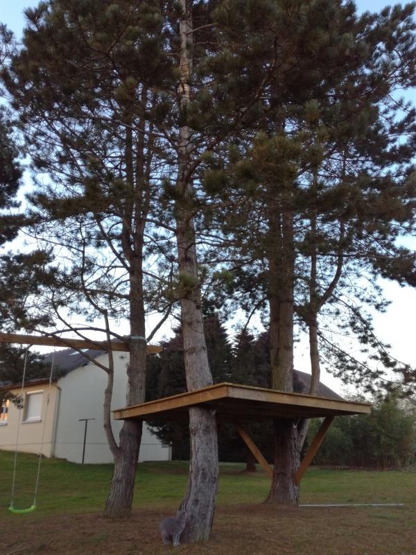 projet de toboggant pour la cabane dans les arbres de mon fils vos id es. Black Bedroom Furniture Sets. Home Design Ideas