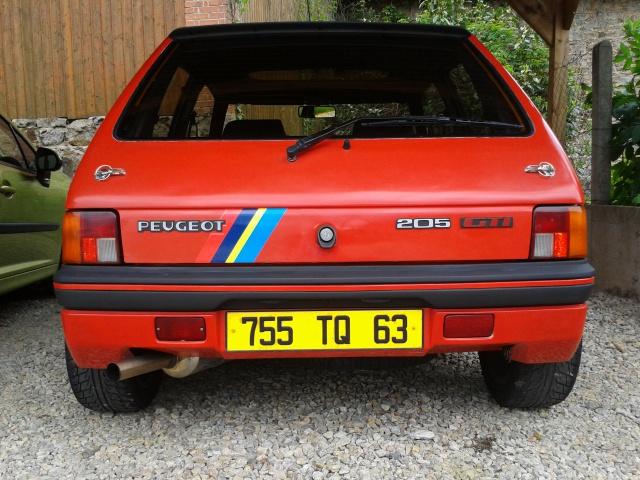 [AutoRétro-63]  205 GTI 1L9 - 1900cc rouge vallelunga - 1990 - Page 4 19421820130520121125