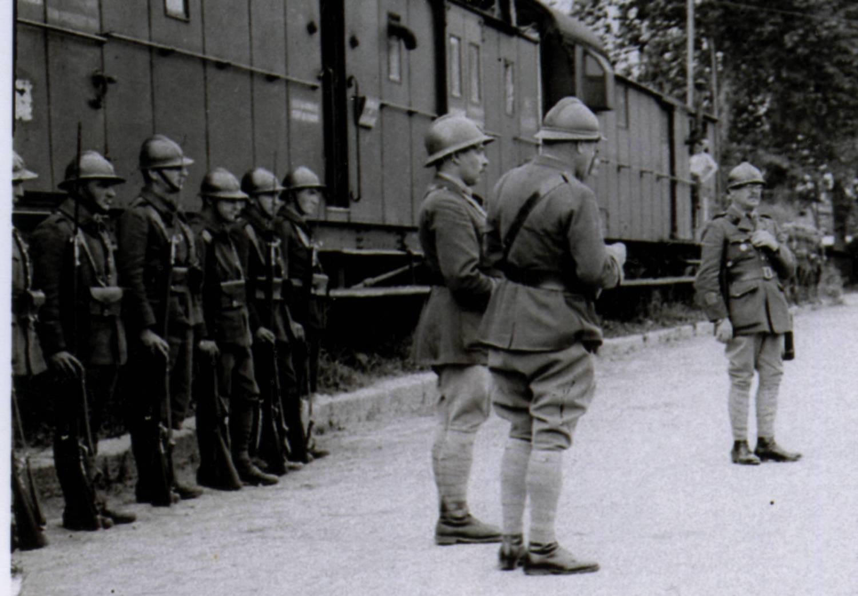 Identification d'une photo prise à Neufchatel en Bray : unité du Génie 195592Soldats02