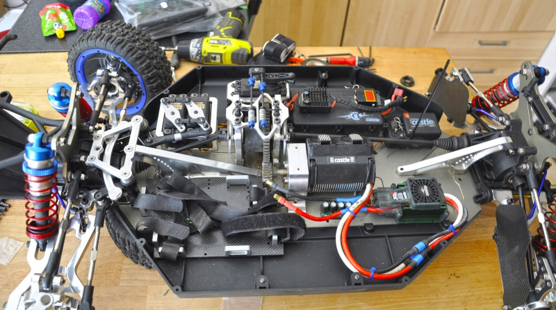Projet LOSI 5ive Brushless - Page 2 196033DSC0197