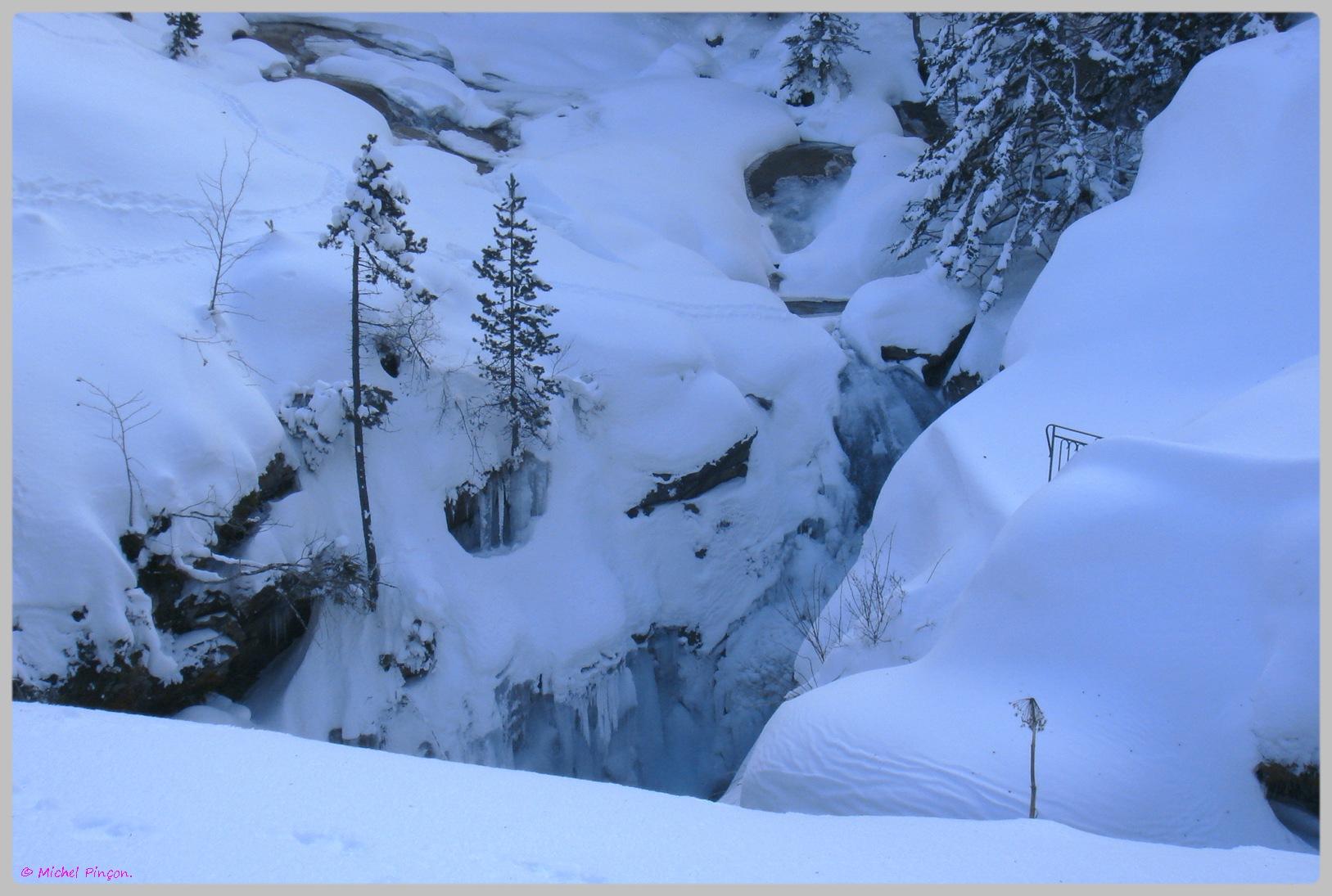 Une semaine à la Neige dans les Htes Pyrénées - Page 2 200344DSC012011