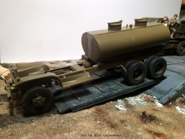 us white 666 cargo truck au 1/35 en Normandie hobby boss - Page 5 203017gmc089