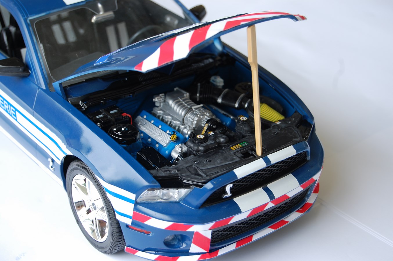 Shelby GT 500 version imaginaire Gendarmerie - Page 2 203030Mustang46Copier