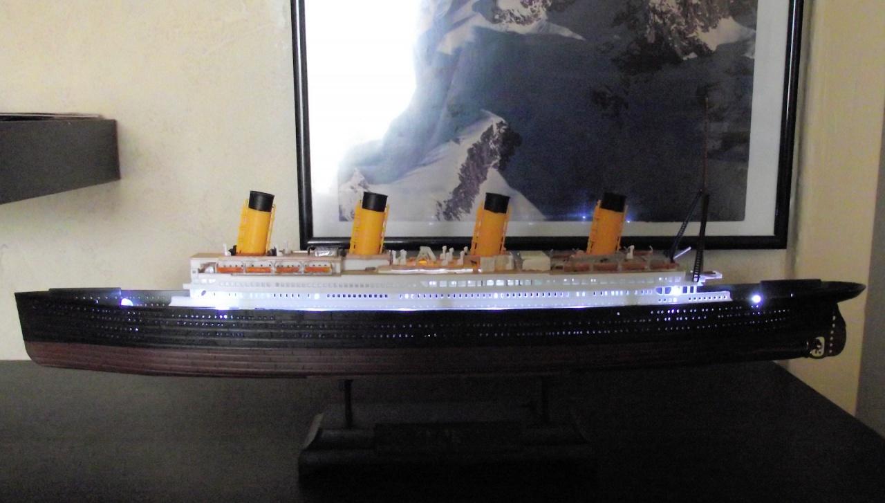 Titanic Academy au 1x700 avec leds 203120TitanicAcademy10