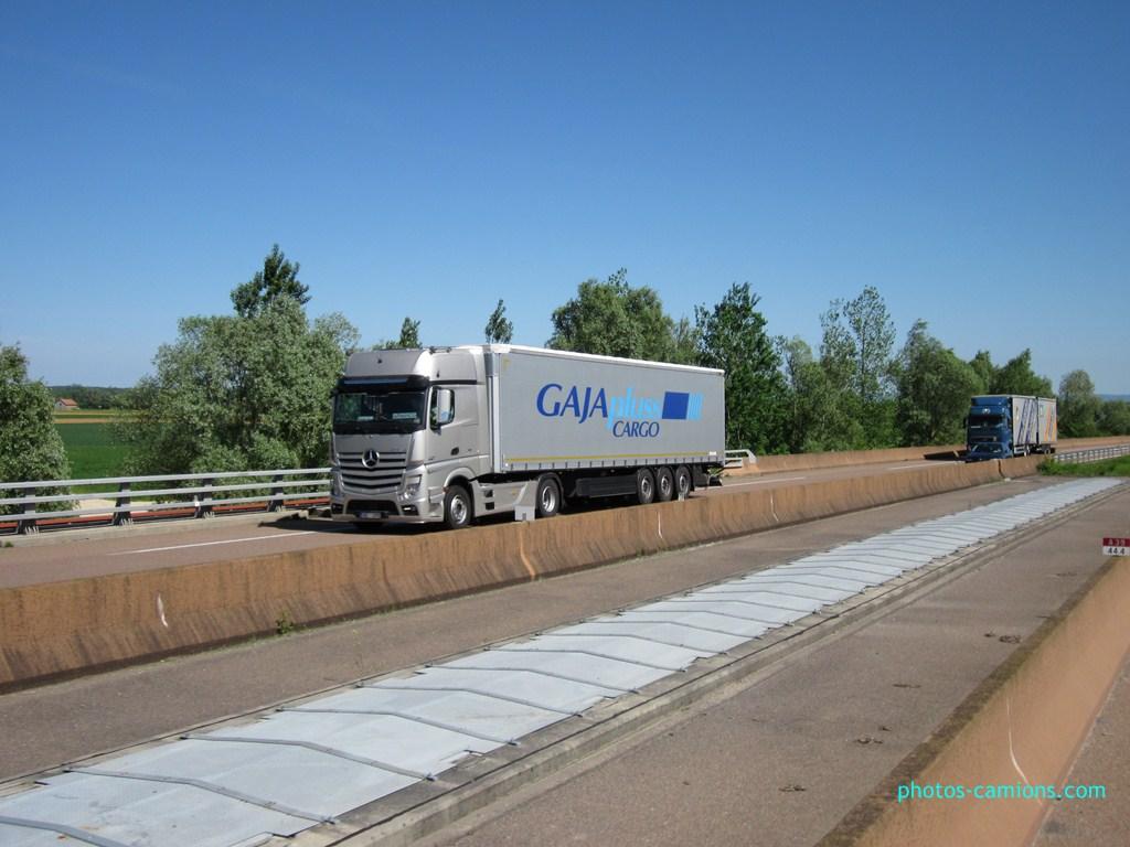 Gaja Pluss  (Riga) 205796photoscamions14Mai201210Copier