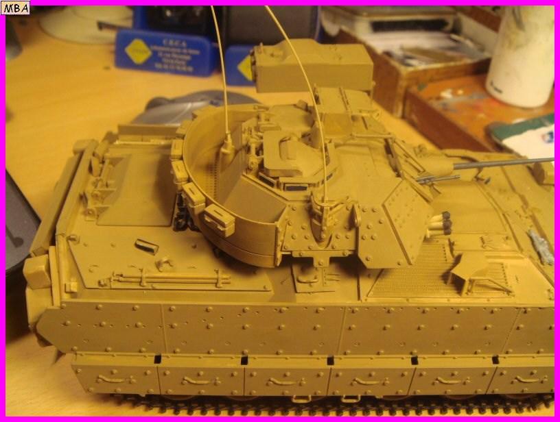 Le transporteur de troupe M2A2 par l'ancien au 1/35è Tamiya 206722m2a208jpg